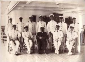 Karadeniz'in Güverte Zabitanı (arka sırada mülazım kaptanlar)